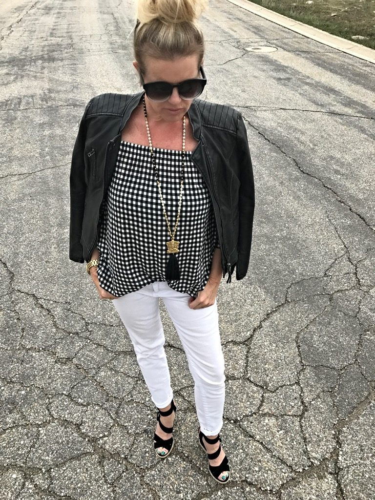 Outfit kut from the kloth leather jacket & jeans, gingham top