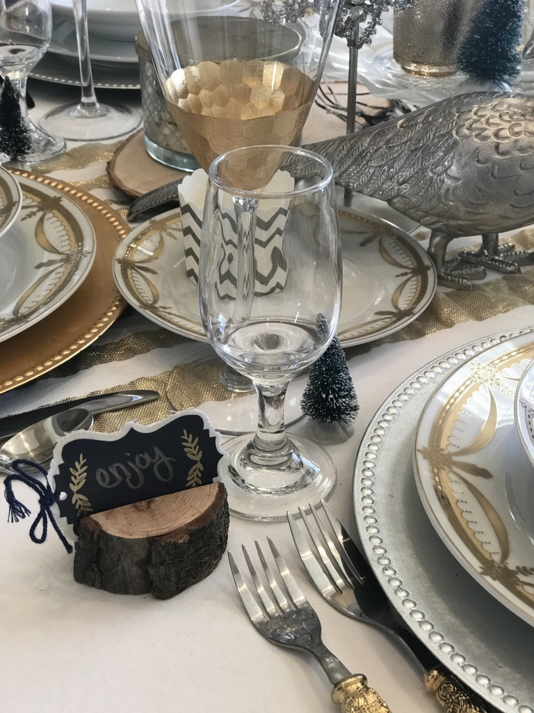 How to Create an easy Thanksgiving Dining Tablescape